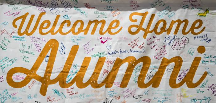 Banner welcoming alumni back to UC Santa Cruz.