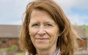 Portrait photo of Barbara Maloney