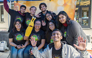 UCSC students promote Giving Day fundraising on campus.